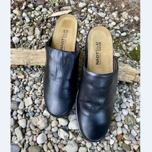 Naot Womens Black Leather Slip On Clogs Shoes 6